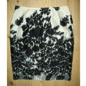 Worthington Skirt Sz  8 Black White Watercolor